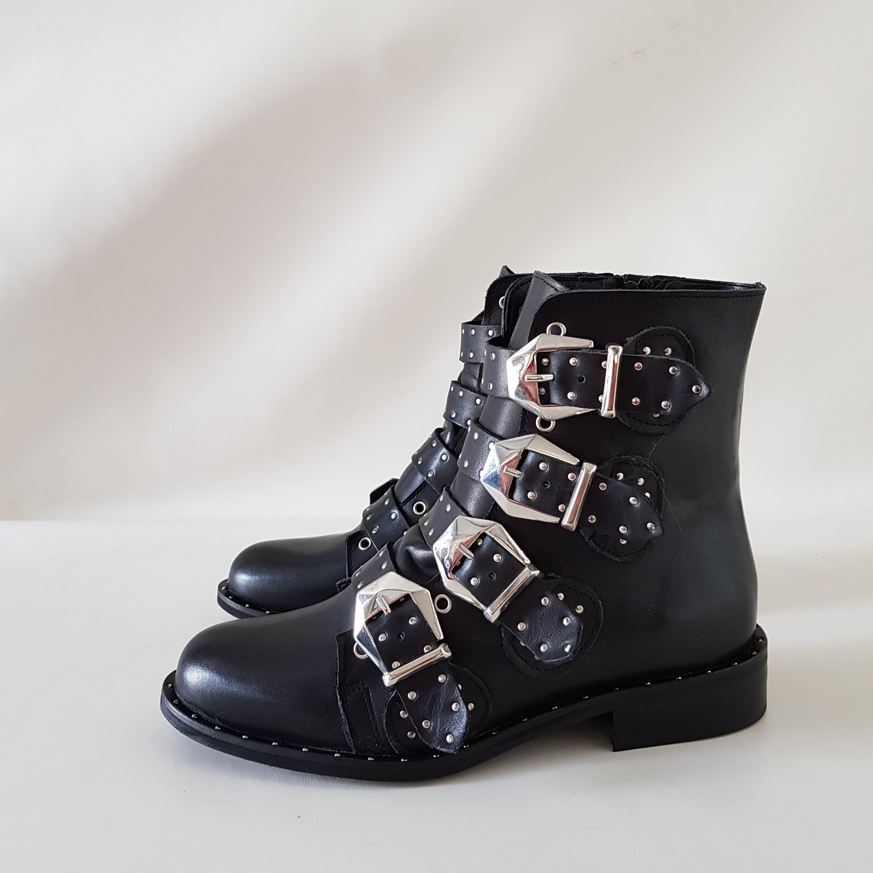 Stivaletti pelle nero fibbie e borchie liadivatop - Lia diva scarpe ...