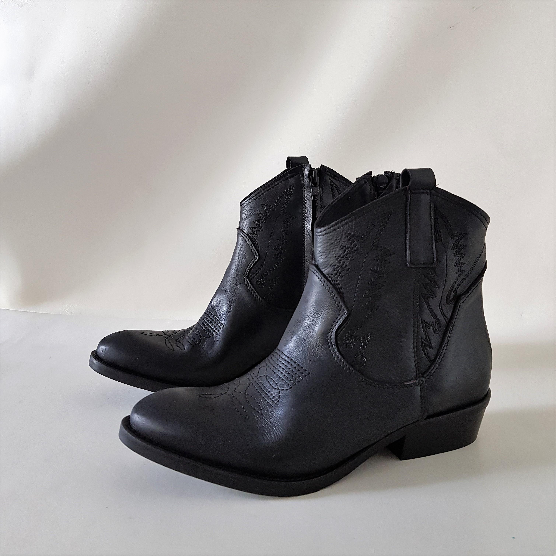 Stivaletti pelle nero ricamo tex13 - Lia diva scarpe ...