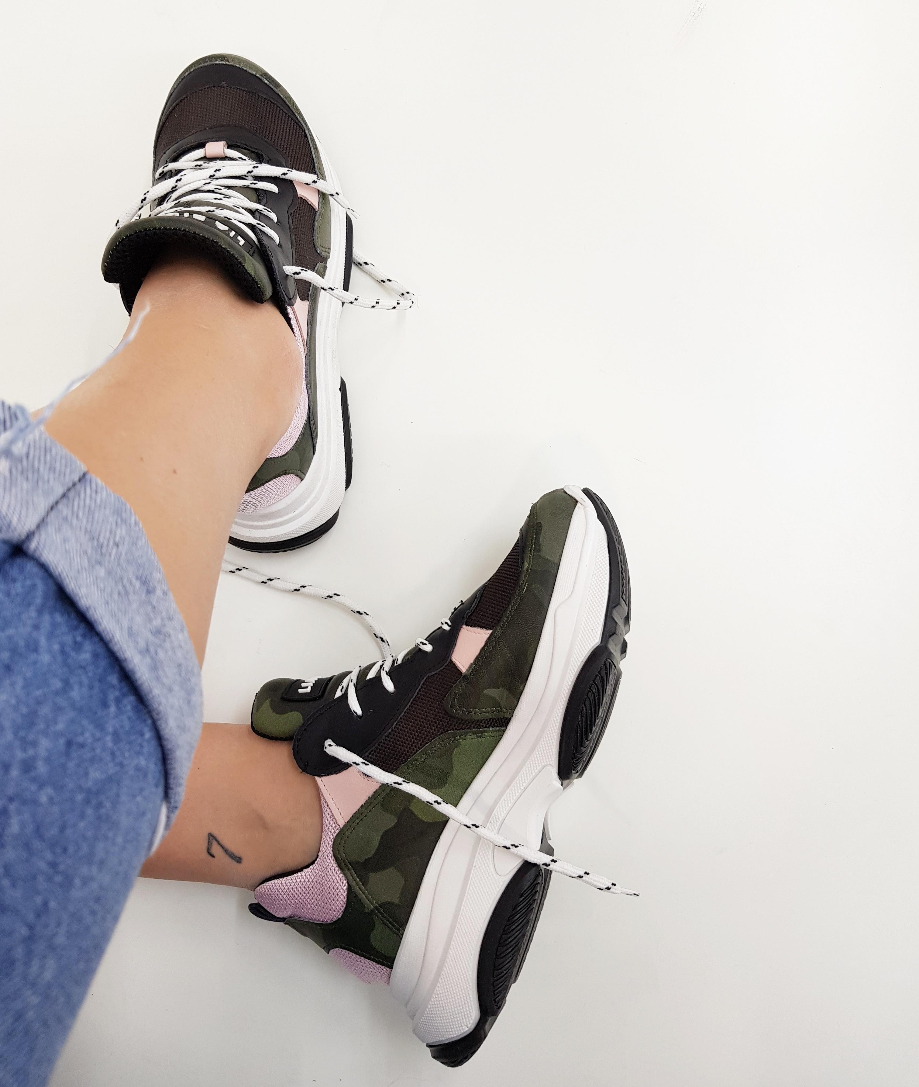 Sneakers lacci mimetico e rosa kent1 - Lia diva scarpe ...