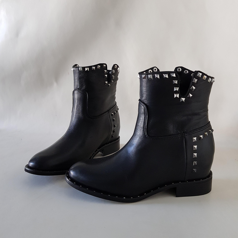 Stivaletti rialzo interno pelle nero e borchie argento roma 4 - Lia diva scarpe ...