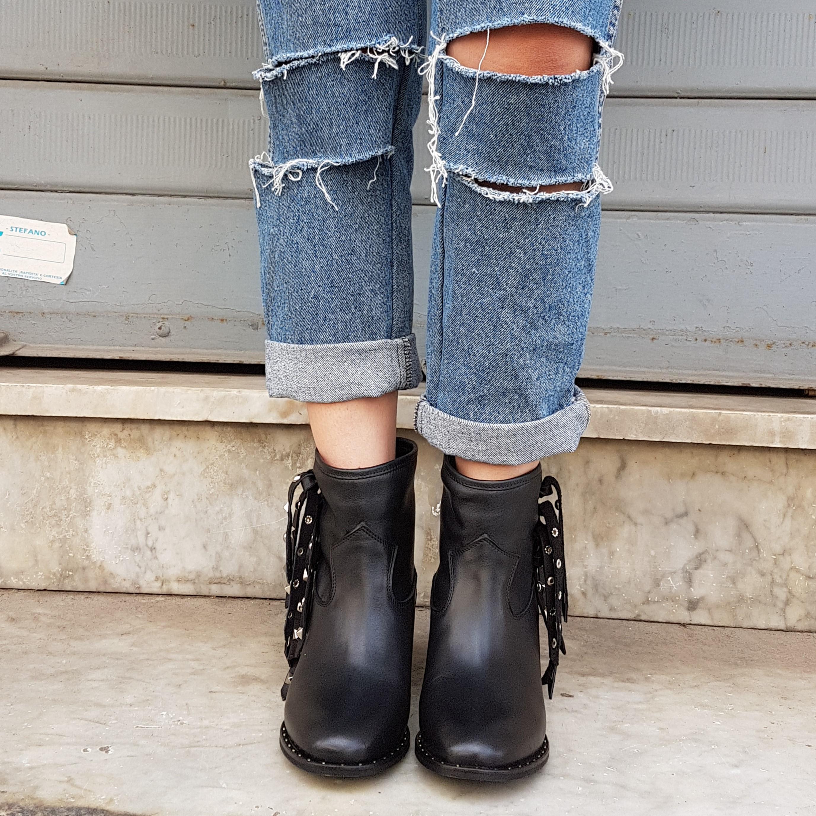 Stivaletti pelle nero con borchie argento rialzo interno roma1 - Lia diva calzature ...