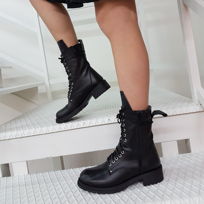 Stivaletti pelle nero lacci mood - Lia diva scarpe ...