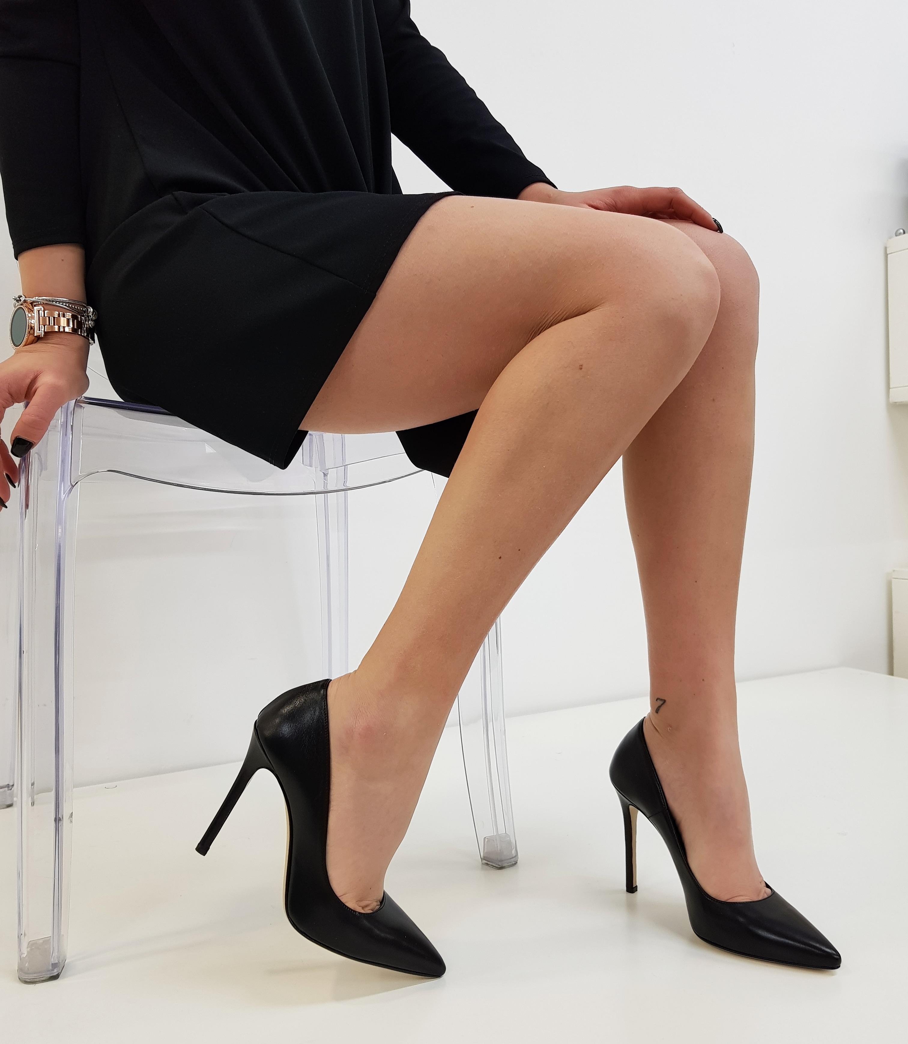 Decollete pelle nero punta camilla - Lia diva scarpe ...
