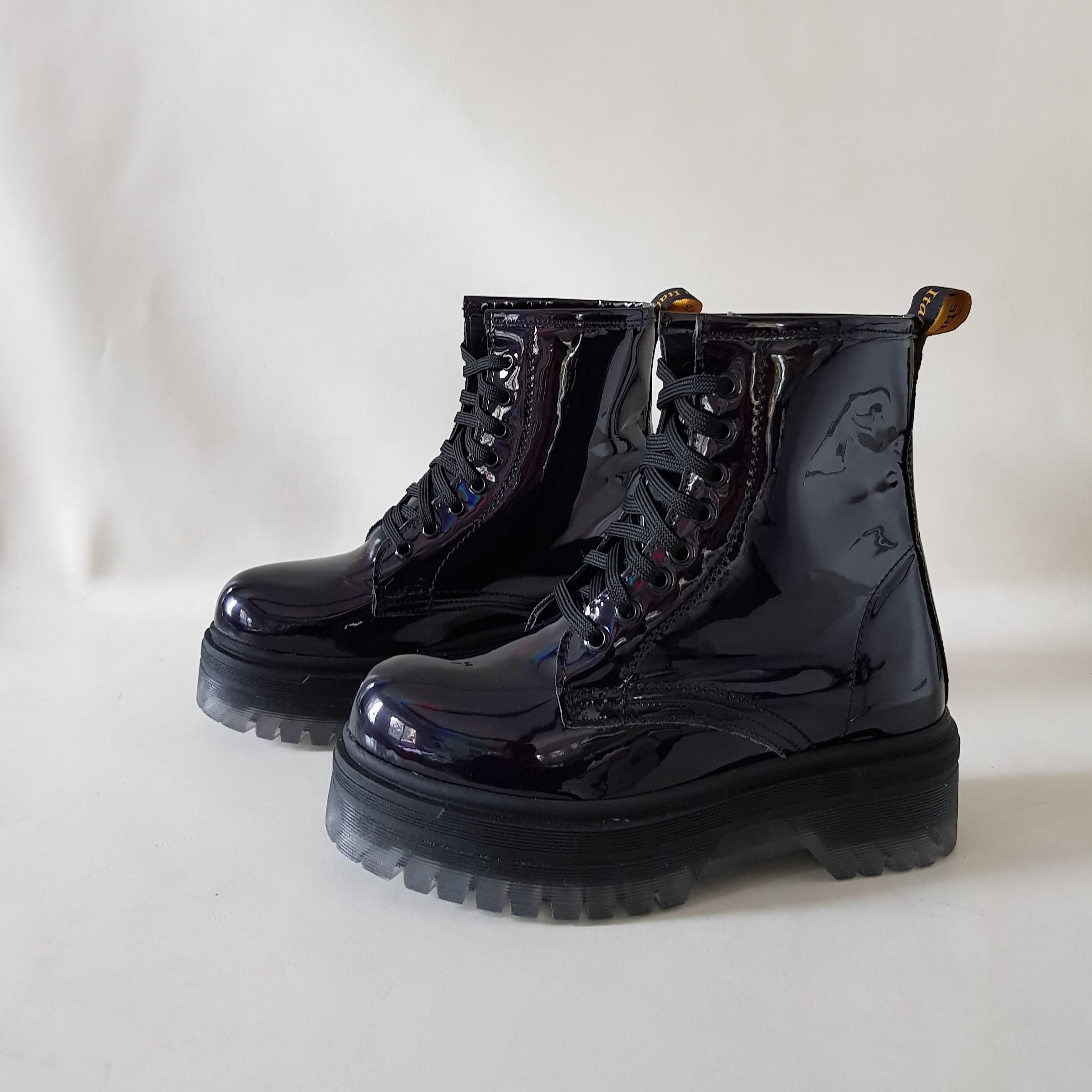 Stivaletti lacci vernice nero oxford - Lia diva scarpe ...