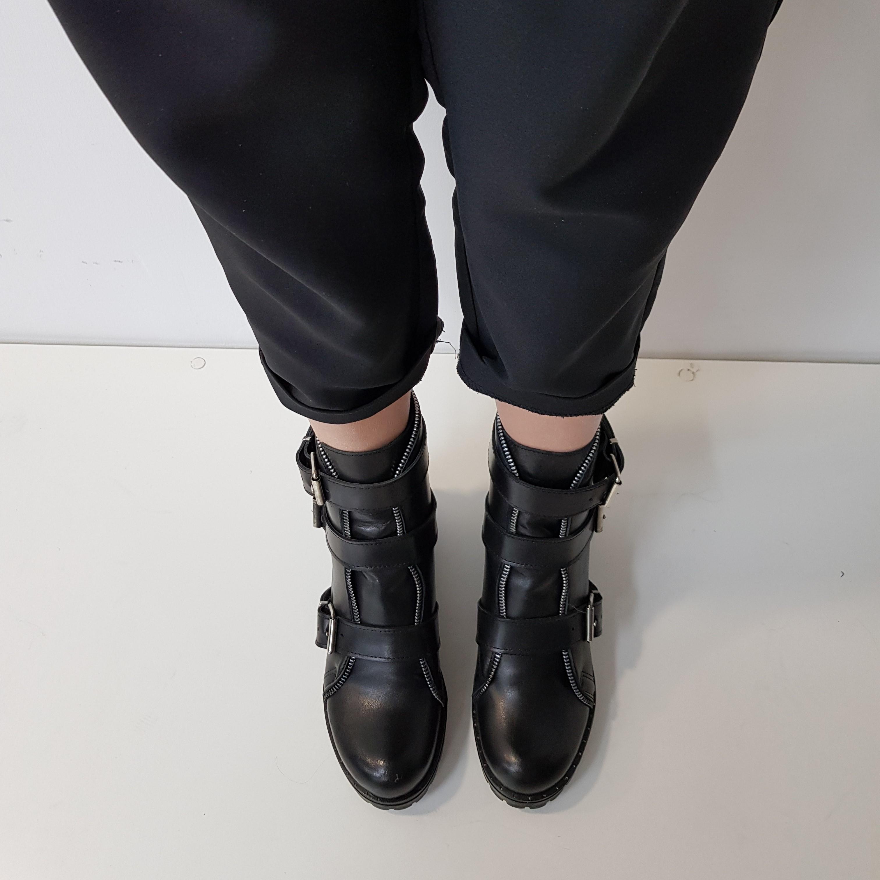 Stivaletti pelle nero fibbie claire - Lia diva calzature ...