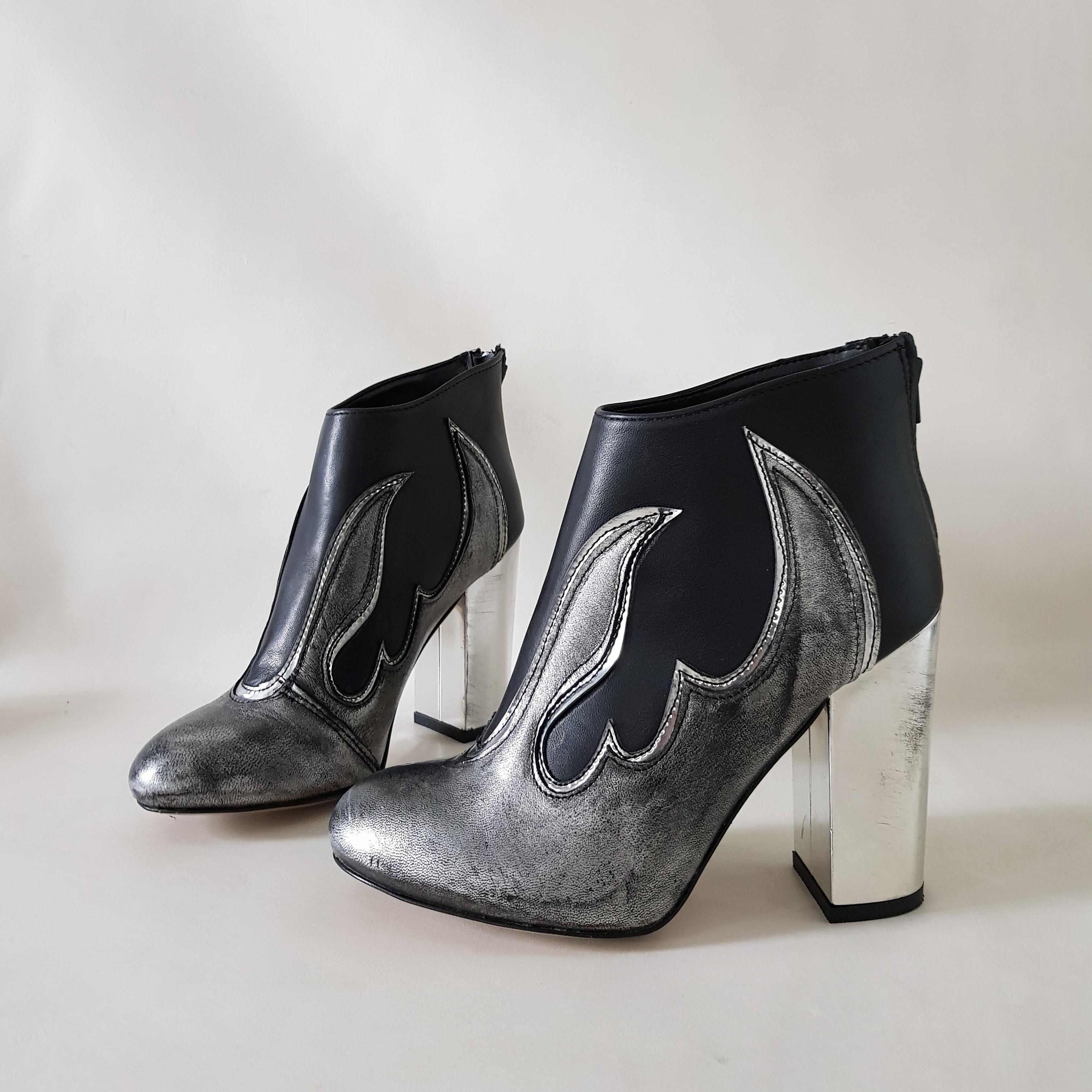Tronchetto camoscio nero e pelle antracite flame - Lia diva calzature ...